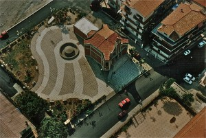 piazza e chiesa S. Cuore frazione marina 1995