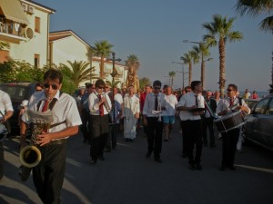 2 agosto: processione